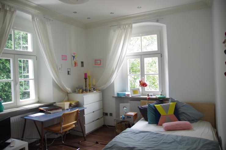 zimmer zum zwischenvermieten im herzen der altstadt wg zimmer in regensburg innenstadt. Black Bedroom Furniture Sets. Home Design Ideas