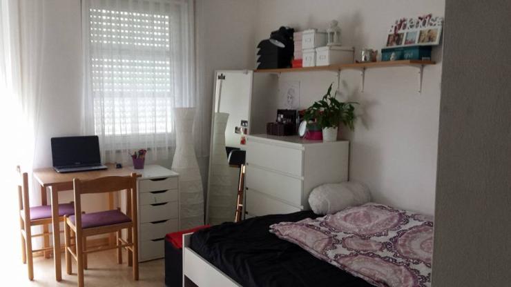 sch ne 1 zimmer wohnung zwischen uni altstadt 1 zimmer wohnung in regensburg galgenberg. Black Bedroom Furniture Sets. Home Design Ideas
