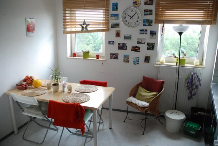 sch ne 3 zimmer wohnung mit ausblick und balkon wohnung in erlangen bruck. Black Bedroom Furniture Sets. Home Design Ideas