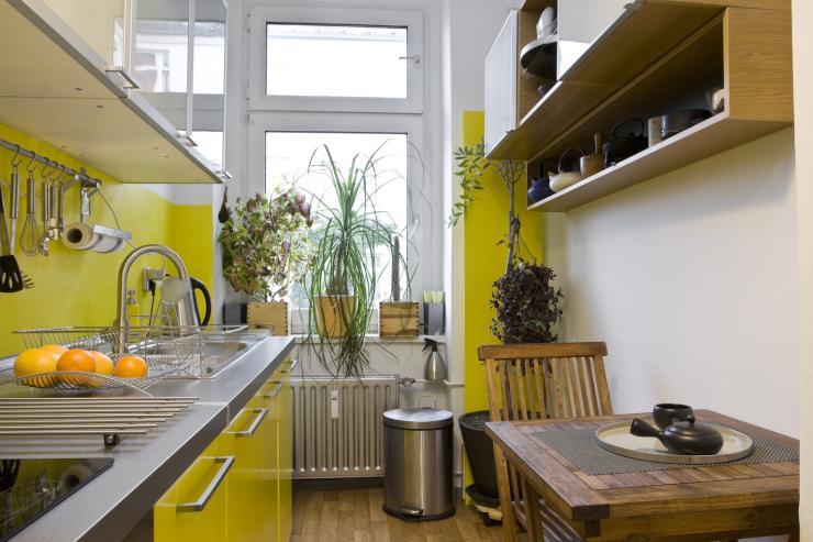 sehr ruhige sch ne helle 2 zimmer wohnung am tempelhofer feld wohnung in berlin neuk lln. Black Bedroom Furniture Sets. Home Design Ideas