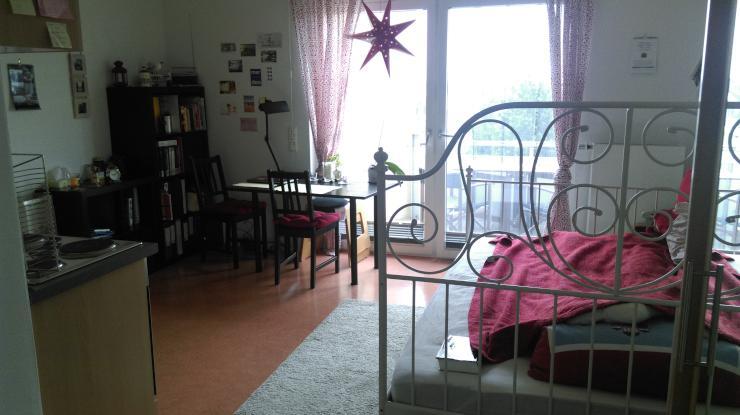 1 zimmer appartement in sch nem studentenwohnheim mit. Black Bedroom Furniture Sets. Home Design Ideas