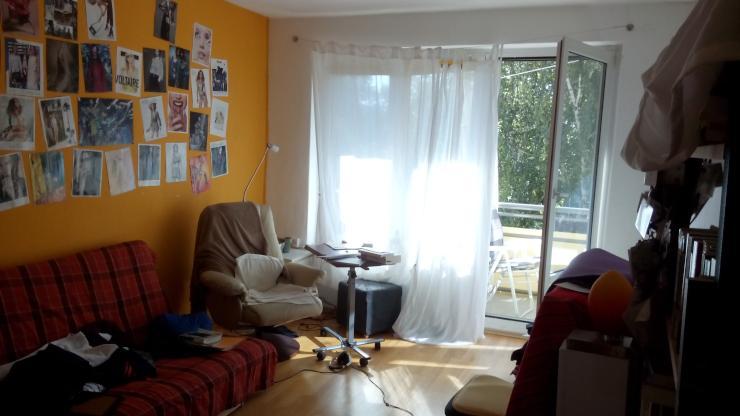 2 zimmer wohnung mit balkon zur zwischenmiete 1 zimmer. Black Bedroom Furniture Sets. Home Design Ideas