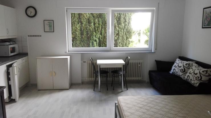 sch ne m blierte 1 zimmer wohnung in bester lage 1 zimmer wohnung in b blingen sindelfingen. Black Bedroom Furniture Sets. Home Design Ideas
