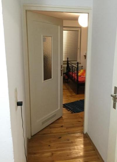 zimmer zur zwischenmiete maxvorstadt wg zimmer in. Black Bedroom Furniture Sets. Home Design Ideas