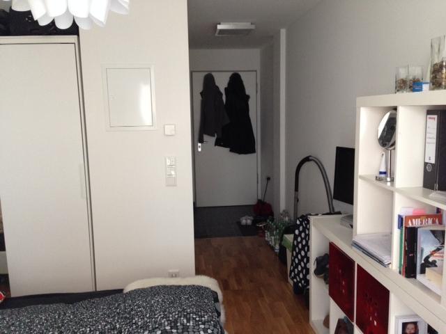 neuwertiges u m bliertes appartement im studiosus 3 moosach 1 zimmer wohnung in m nchen moosach. Black Bedroom Furniture Sets. Home Design Ideas