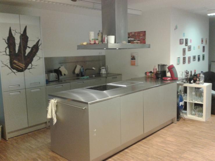 sch nes 32 m2 zimmer in 6er wg im herzen von bayreuth zu vergeben wohngemeinschaften bayreuth. Black Bedroom Furniture Sets. Home Design Ideas