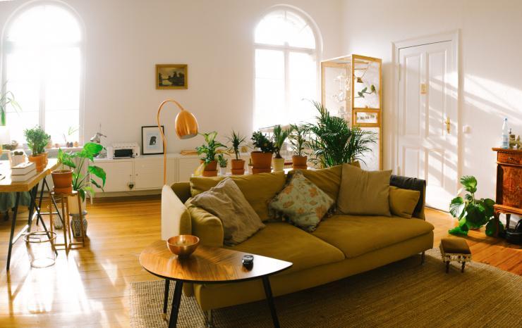 helle neu eingerichtete 2 zimmer wohnung zur zwischenmiete wohnung in berlin spandau. Black Bedroom Furniture Sets. Home Design Ideas