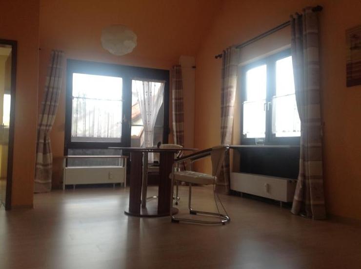 helle 2 zimmer dg wohnung mit balkon im weberdorf auch m belliert oder teilm bliert m glich. Black Bedroom Furniture Sets. Home Design Ideas