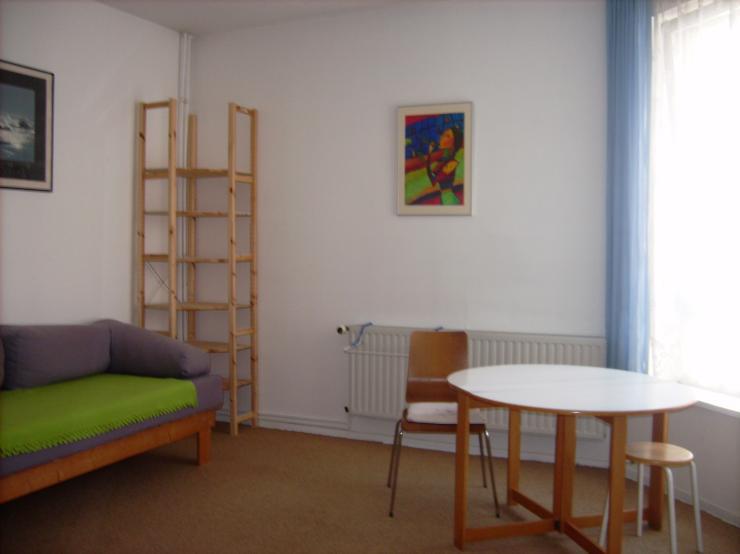 das interesse am leben in einer wohngemeinschaft steigt. Black Bedroom Furniture Sets. Home Design Ideas