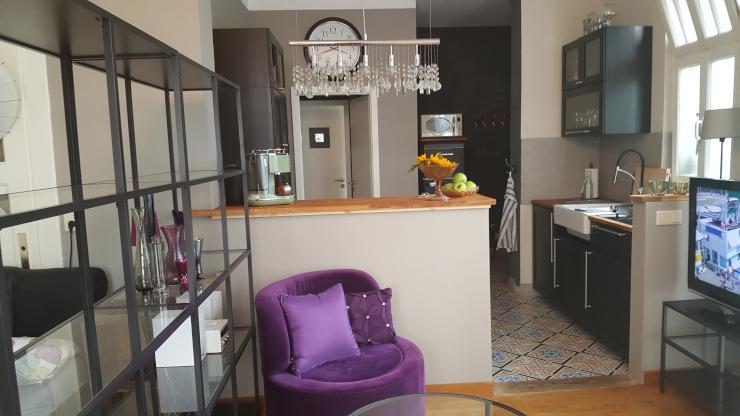 stilvolles designappartement zimmer m wohn l. Black Bedroom Furniture Sets. Home Design Ideas