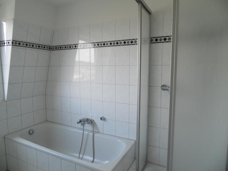 au ergew hnliche 5 zi maisonette wohnung komplett renoviert in heckinghausen wohnung in. Black Bedroom Furniture Sets. Home Design Ideas