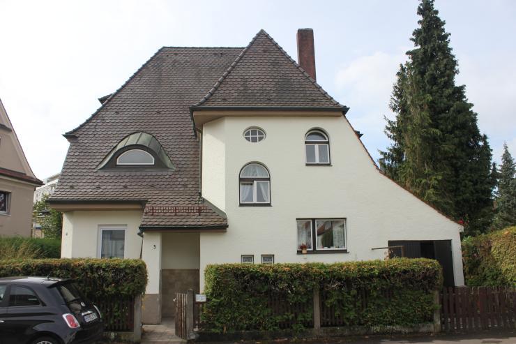 sch ne 3 zimmer altbauwohnung in zentraler lage wohnung in neu ulm offenhausen. Black Bedroom Furniture Sets. Home Design Ideas