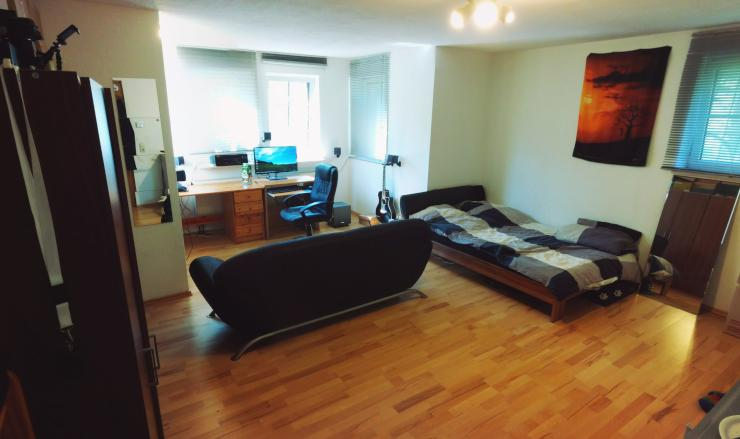 g nstige 1 zimmer wohnung in t lustnau 1 zimmer wohnung. Black Bedroom Furniture Sets. Home Design Ideas