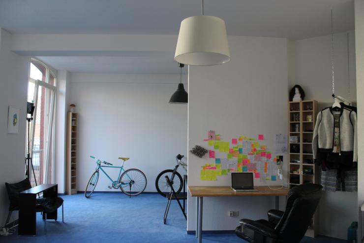 sch nes helles loft in ehemaliger fabrik 1 zimmer wohnung in aachen aachen. Black Bedroom Furniture Sets. Home Design Ideas