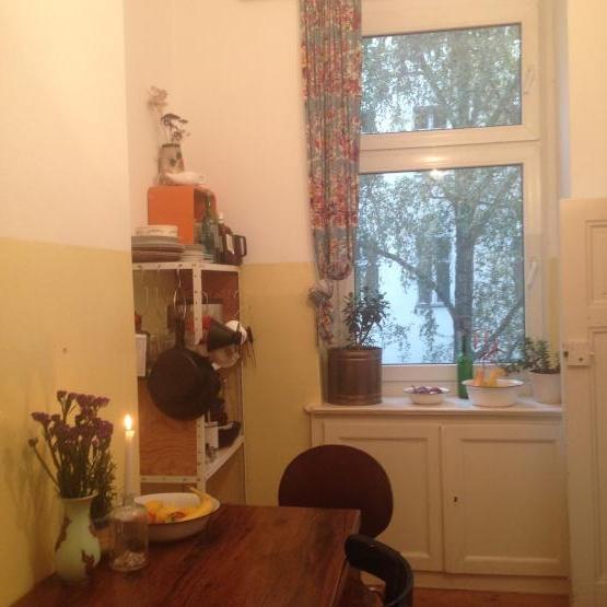 1 bedroom apt gorgeous 1 zimmer wohnung in berlin neuk lln. Black Bedroom Furniture Sets. Home Design Ideas