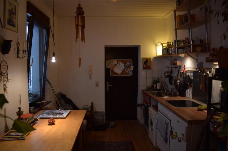 tausch g nstige 1 zimmerwohnung mitten in k ln ehrenfeld. Black Bedroom Furniture Sets. Home Design Ideas