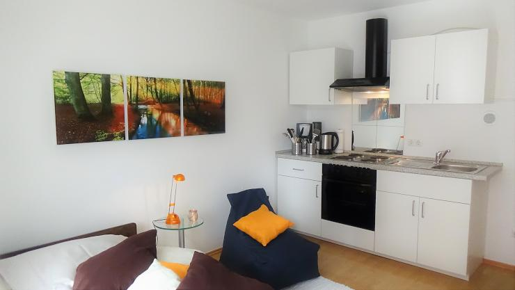 renov m bl apartment berg am laim s dl intern balk tg 1 zimmer wohnung in m nchen. Black Bedroom Furniture Sets. Home Design Ideas
