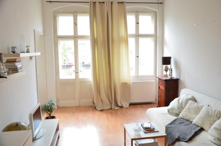 swap only helle 2 raumwohnung mit balkon nahe ostkreuz wohnung in berlin lichtenberg. Black Bedroom Furniture Sets. Home Design Ideas