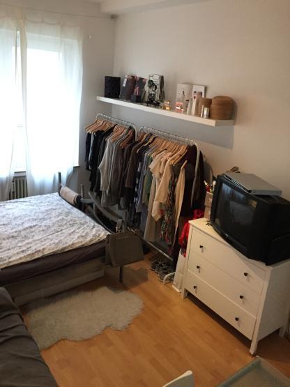sch nes 13m gro es zimmer in der altstadt sucht nachmieterin wg zimmer in bielefeld. Black Bedroom Furniture Sets. Home Design Ideas