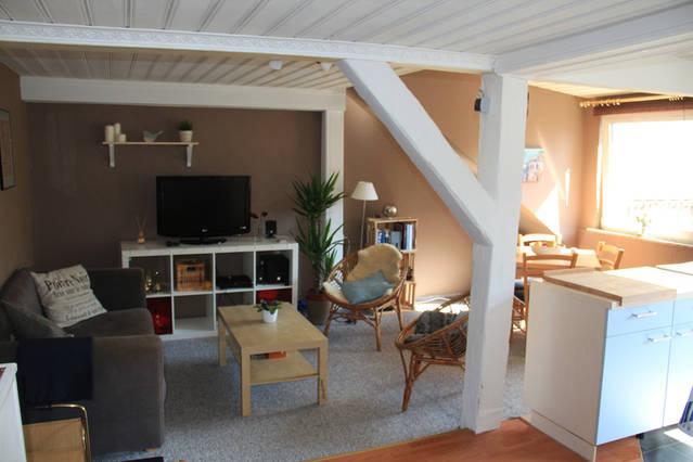 gem tliche 3 zimmer wohnung f r paare oder singles. Black Bedroom Furniture Sets. Home Design Ideas