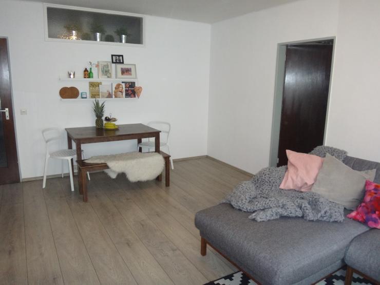 suche nachmieter f r eine sonnige teilm blierte 2. Black Bedroom Furniture Sets. Home Design Ideas