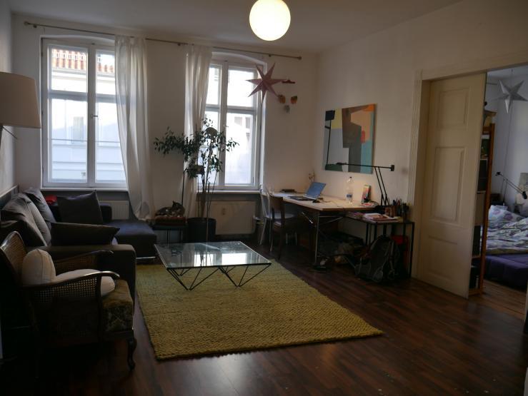 traumhafte p rchenwohnung direkt im zentrum sehr helle altbau wohnung mit dielen und garten zu. Black Bedroom Furniture Sets. Home Design Ideas