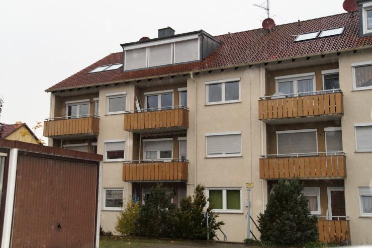 gem tliche 3 zimmer wohnung mit balkon caportstellplatz und kellerabteil wohnung in w rzburg. Black Bedroom Furniture Sets. Home Design Ideas