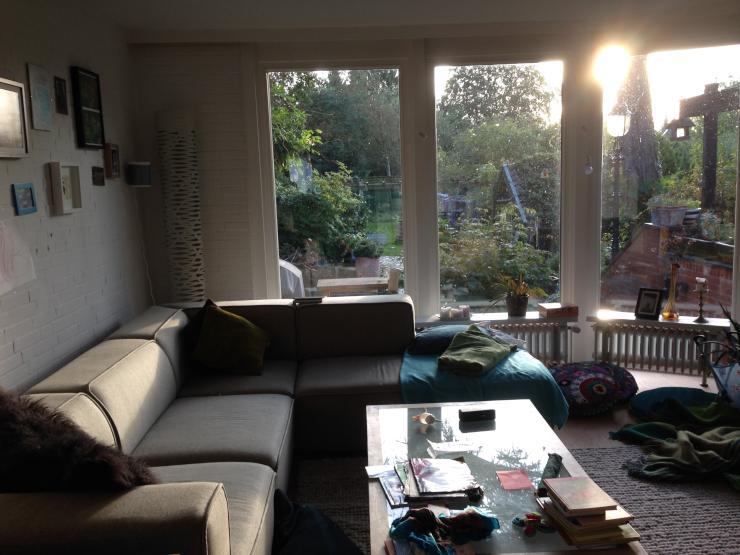 familiengeeignetes haus im gr nen haus in hamburg rahlstedt. Black Bedroom Furniture Sets. Home Design Ideas