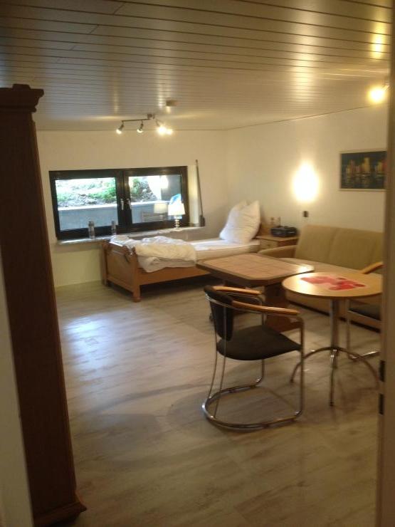 keine nebenkosten alles incl studenten auch kurzzeitmieter usw 1 zimmer wohnung in. Black Bedroom Furniture Sets. Home Design Ideas