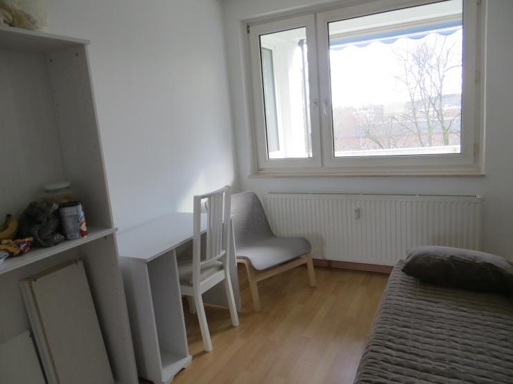 Near university hochschule new decorated low rent wg zimmer