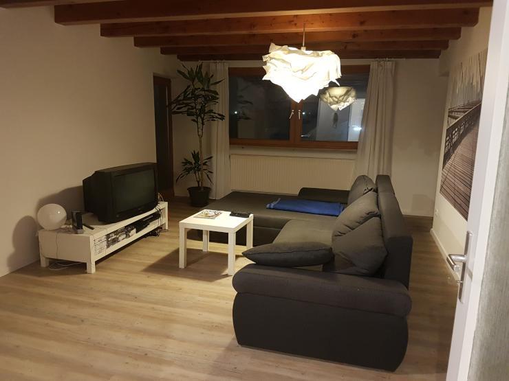 oder zu vermieten m beliertes ca 14 qm zimmer mit balkon 25 qm gemeinschaftsraum. Black Bedroom Furniture Sets. Home Design Ideas
