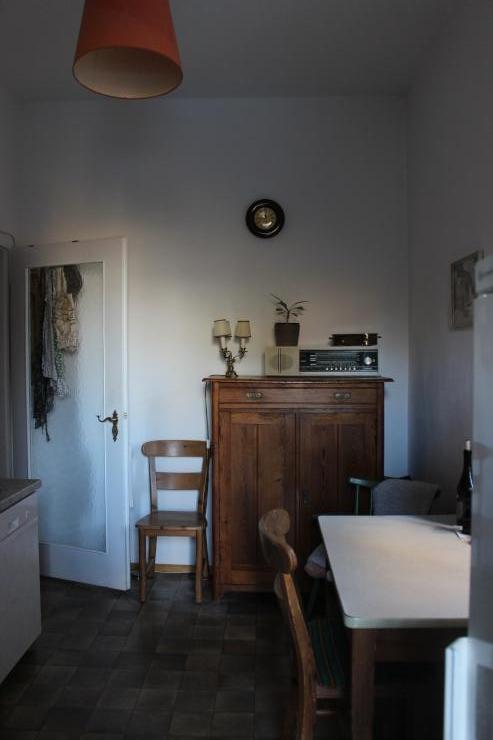 16qm zimmer in traumhafter altbauwohnung wg zimmer in augsburg innenstadt. Black Bedroom Furniture Sets. Home Design Ideas