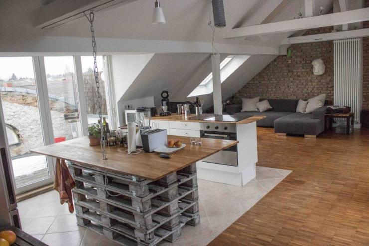 loft wg with skyline view in bornheim 20m room free wg zimmer frankfurt am main m bliert. Black Bedroom Furniture Sets. Home Design Ideas