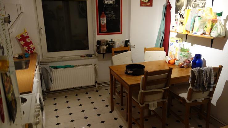 3 zimmer wohnung nahe schwarzer b r wohnung in hannover linden mitte. Black Bedroom Furniture Sets. Home Design Ideas