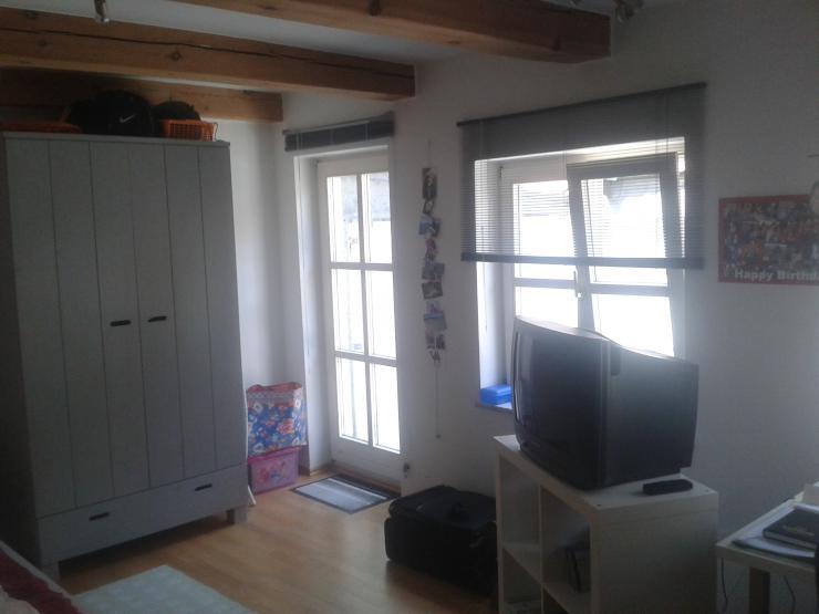 sch ne 1 zimmer wohnung im herzen regensburgs 1 zimmer wohnung in regensburg innenstadt. Black Bedroom Furniture Sets. Home Design Ideas