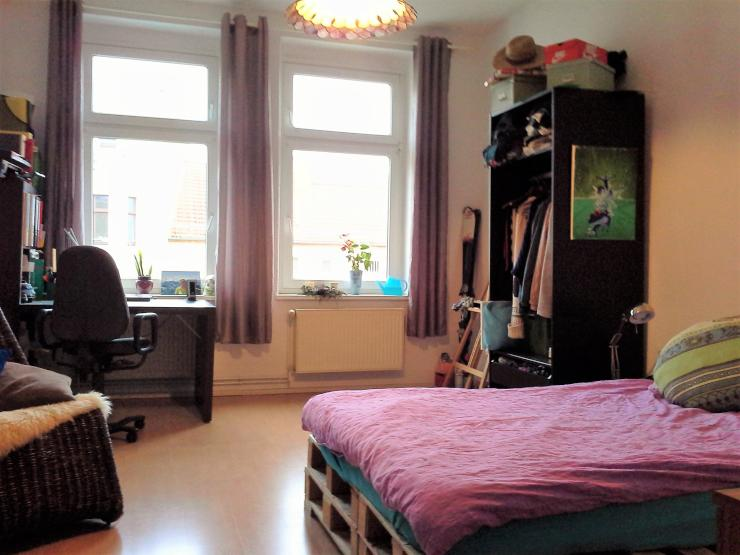 helles m bliertes 20m zimmer in gem tlicher 2er wg mit gro em wohnzimmer in stadtfeld. Black Bedroom Furniture Sets. Home Design Ideas