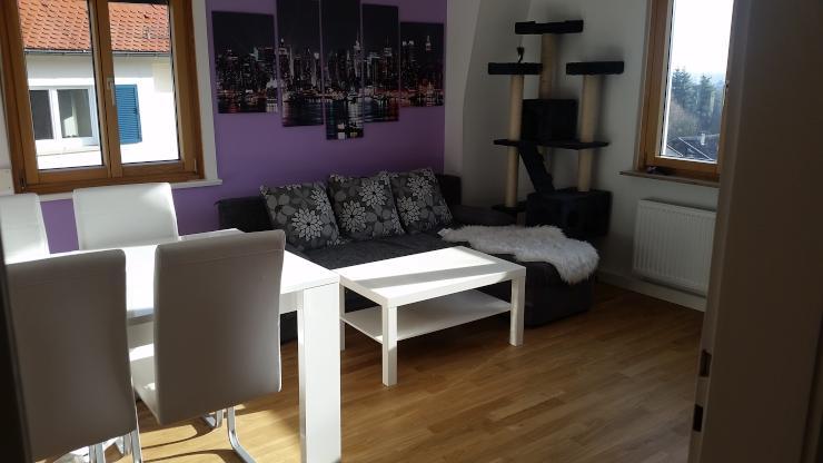 schickes helles zimmer in ruhiger lage wg zimmer in stuttgart vaihingen. Black Bedroom Furniture Sets. Home Design Ideas
