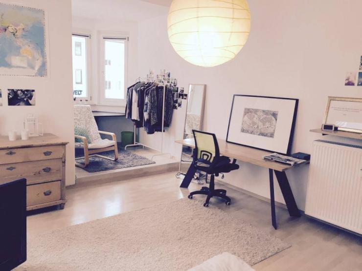 wundersch nes zimmer in super 4er wg mit toplage wohngemeinschaft in regensburg innenstadt. Black Bedroom Furniture Sets. Home Design Ideas