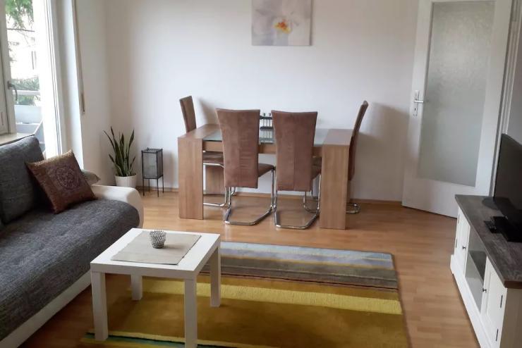 2 zimmer mit sch ner ausblick wohnung in stuttgart ost. Black Bedroom Furniture Sets. Home Design Ideas