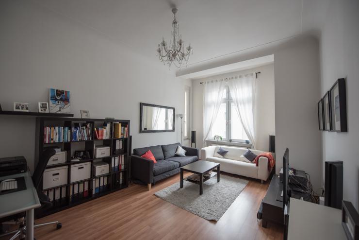 m blierte 2 zimmer wohnung mit internet und balkon im. Black Bedroom Furniture Sets. Home Design Ideas