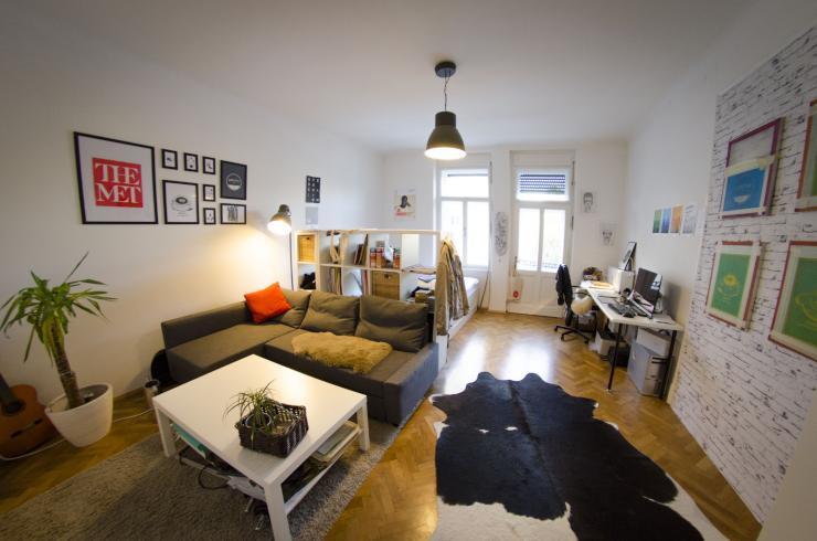 kuschelige sonnige h hle zum berwintern 26m2 zimmer in 3er wg zur zwischenmiete. Black Bedroom Furniture Sets. Home Design Ideas