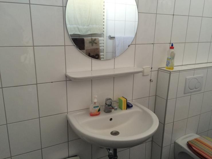 Sch ne helle 2 zimmer wohnung mit gro em badezimmer for 2 zimmer wohnung bielefeld