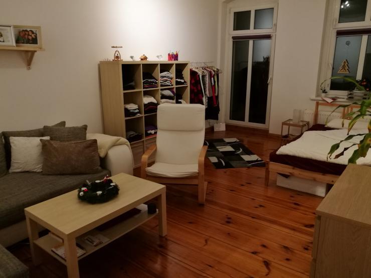 gem tliches zimmer in 2er wg zur untermiete wg zimmer in berlin lichtenberg grenze friedrichshain. Black Bedroom Furniture Sets. Home Design Ideas