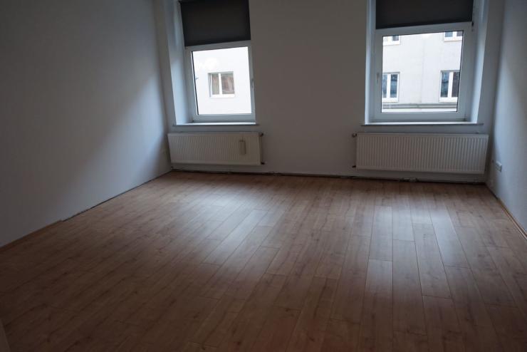 provisionsfreie komplett sanierte altbauwohnung mit neuer k che in d sseldorf oberbilk. Black Bedroom Furniture Sets. Home Design Ideas