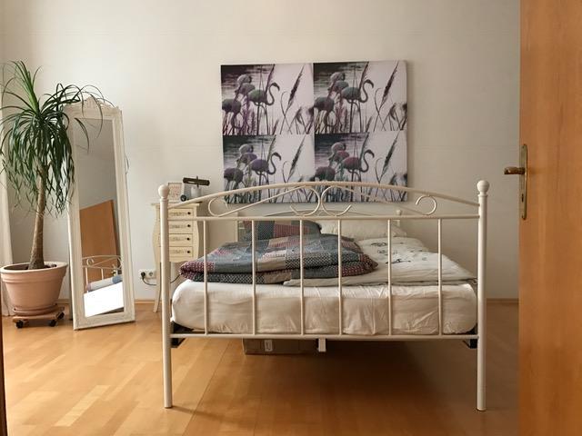 liebevoll eingerichtete altbau whg im herzen m nchens zur zwischenmiete wohnung in m nchen. Black Bedroom Furniture Sets. Home Design Ideas