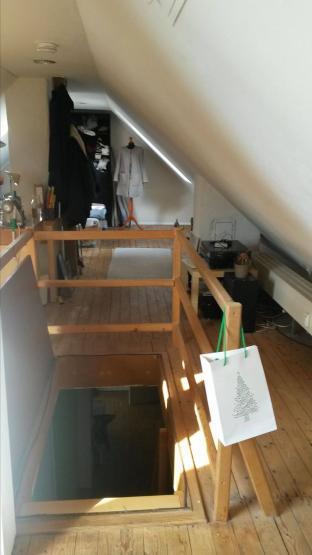 geile h tte wg zimmer in d sseldorf friedrichstadt. Black Bedroom Furniture Sets. Home Design Ideas