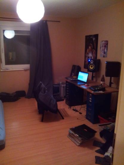 20 quadratmeter zimmer in netter 3er wg in der zellerau. Black Bedroom Furniture Sets. Home Design Ideas