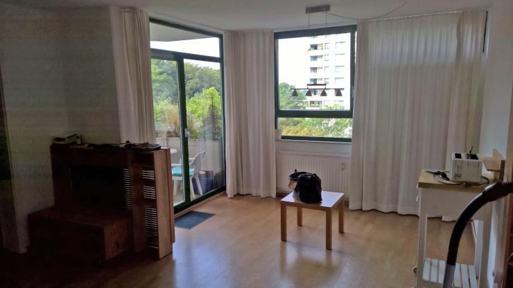 sch ne neu renovierte 2 zimmer wohnung mit ausblick und balkon wohnung in darmstadt darmstadt. Black Bedroom Furniture Sets. Home Design Ideas