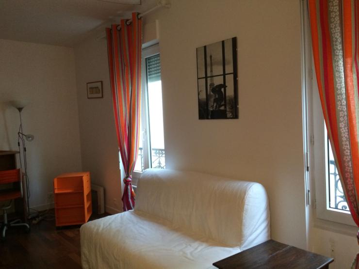 sch ne 2 zimmer wohnung in montparnasse wohnung in paris. Black Bedroom Furniture Sets. Home Design Ideas