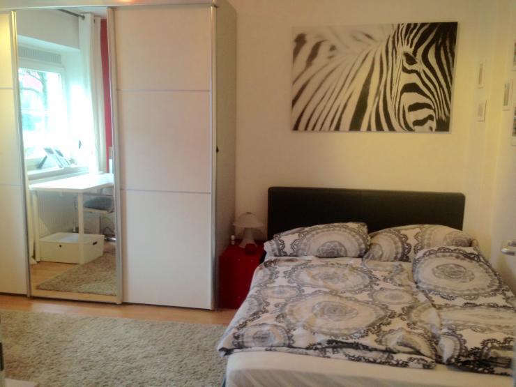 1 helles modernes zimmer in sch ner wohnung in unin he wg zimmer d sseldorf wersten. Black Bedroom Furniture Sets. Home Design Ideas